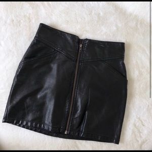 Dresses & Skirts - Front zip black leather skirt - small